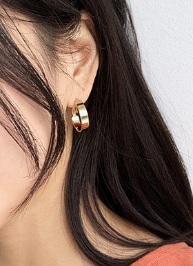 Medium ring earring